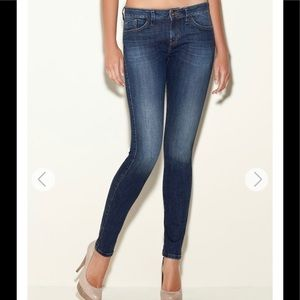 GUESS BRITTNEY SKINNY JEANS IN HORIZON BLUE WASH